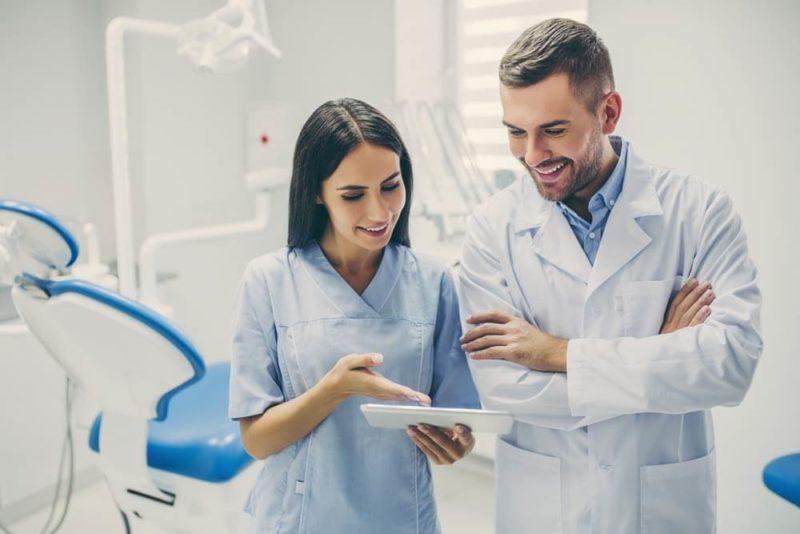 Come valutare le recensioni di un medico online?
